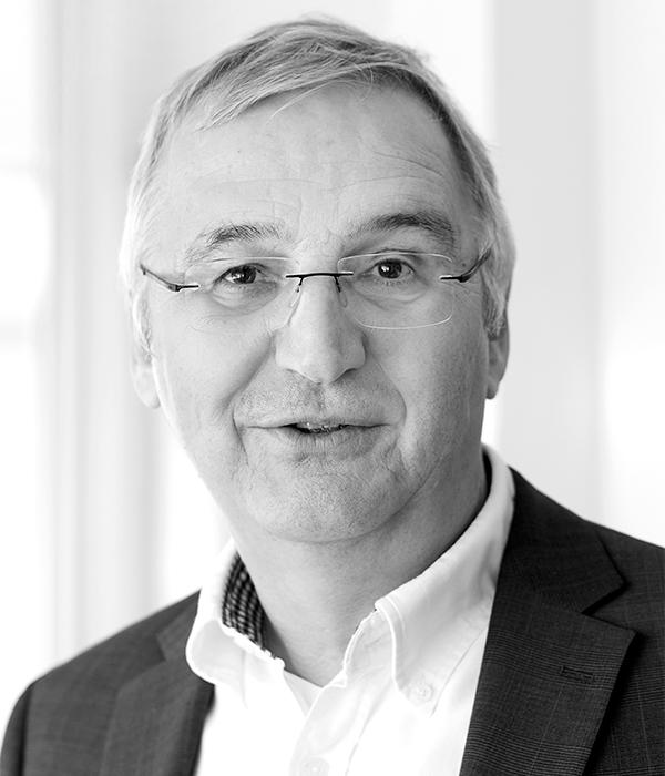 Dr. Johannes Burghold